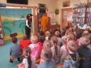 Edukacyjny teatrzyk pt. Prastara książnica skarb i tajemnica dla dzieci kl. I