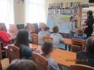 Tydzień Bibliotek - spotkanie M. Popławskiej Marek z uczniami PSP Trzcińsk